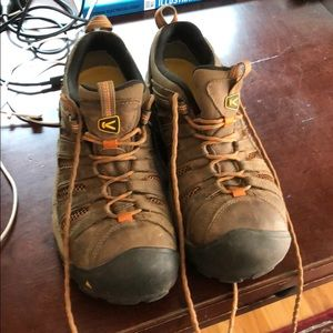 Men's steel toe Keen shoes